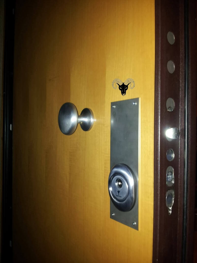 Aries Security service Locks and key