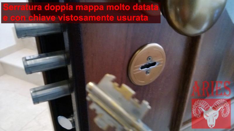 serratura-doppia-mappa-chiave-usurata-porta-bloccata