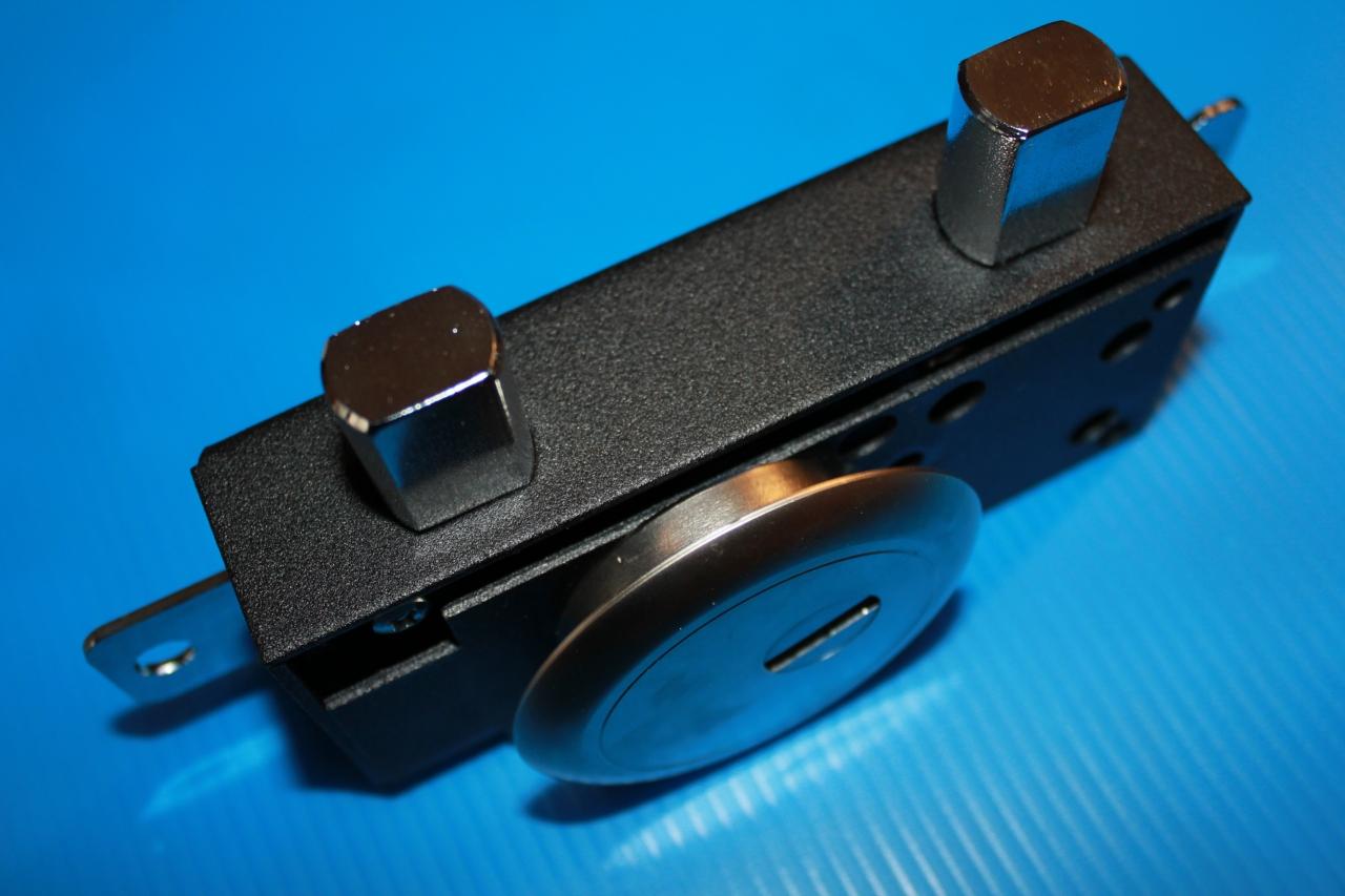 serrature-applicare-mottura-per-scuri-in-legno