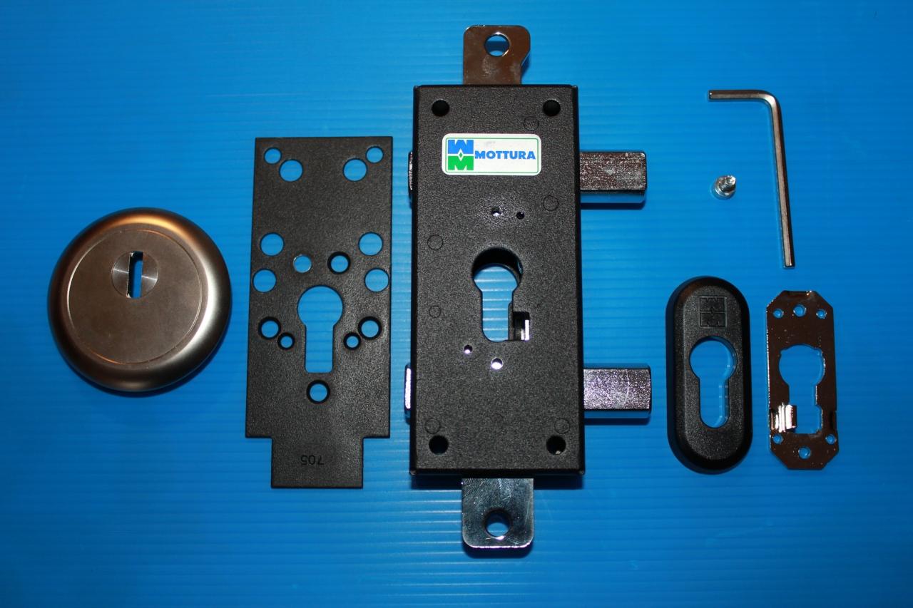 serrature-per-scuri-in-legno-mottura
