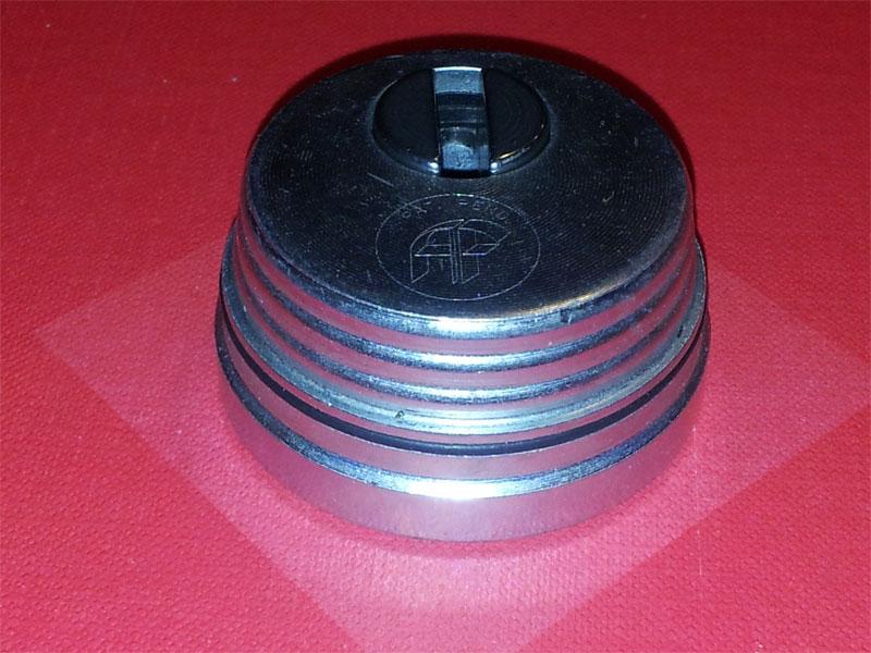Defender antitubo serratura europea serrature a cilindro for Serratura europea prezzi